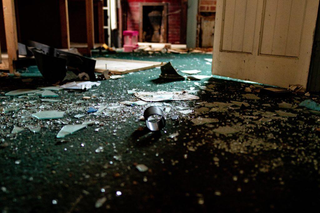 memory glass shatter broken delicate strong